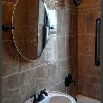 Minneapolis remodeling contractor. Tiled bathroom walls in Minneapolis. Minneapolis bathroom remodeling project.